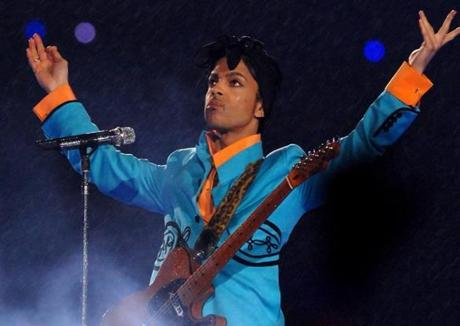 Prince performs at half time during Super Bowl XLI between the Indianapolis Colts and Chicago Bears at Dolphins Stadium in Miami, Florida on February 4, 2007. (Photo by Theo Wargo/Getty Images) 30halftimehistory